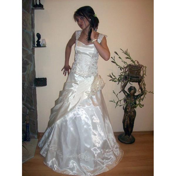 Сватбена рокля 04