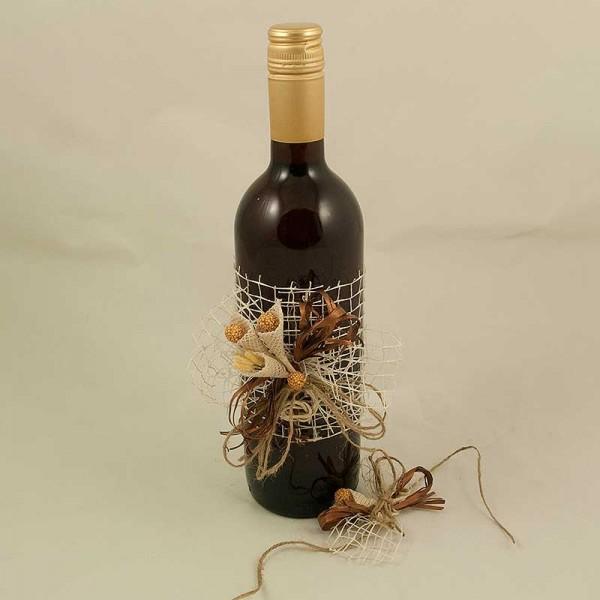Украсена бутилка червено вино 04